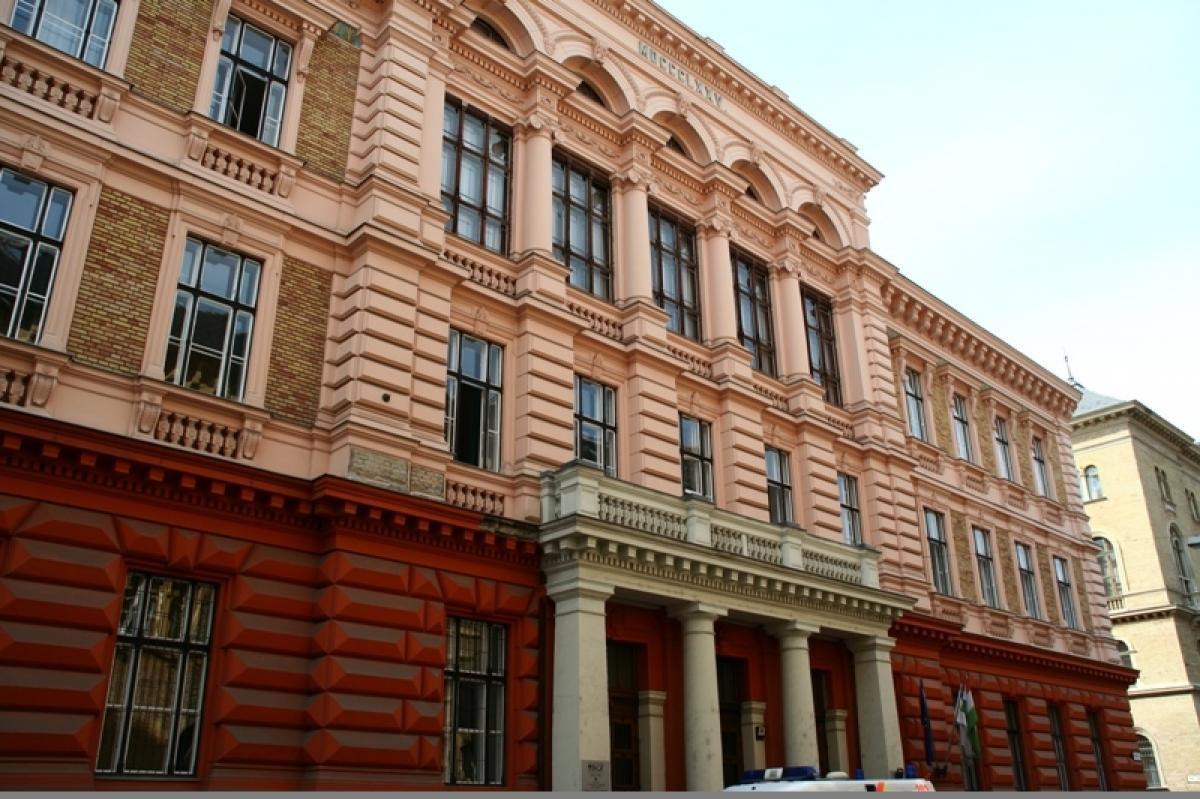 OPH - Új akadémiai vezetés a Budapesti Gazdasági Egyetemen 564fcd49bb